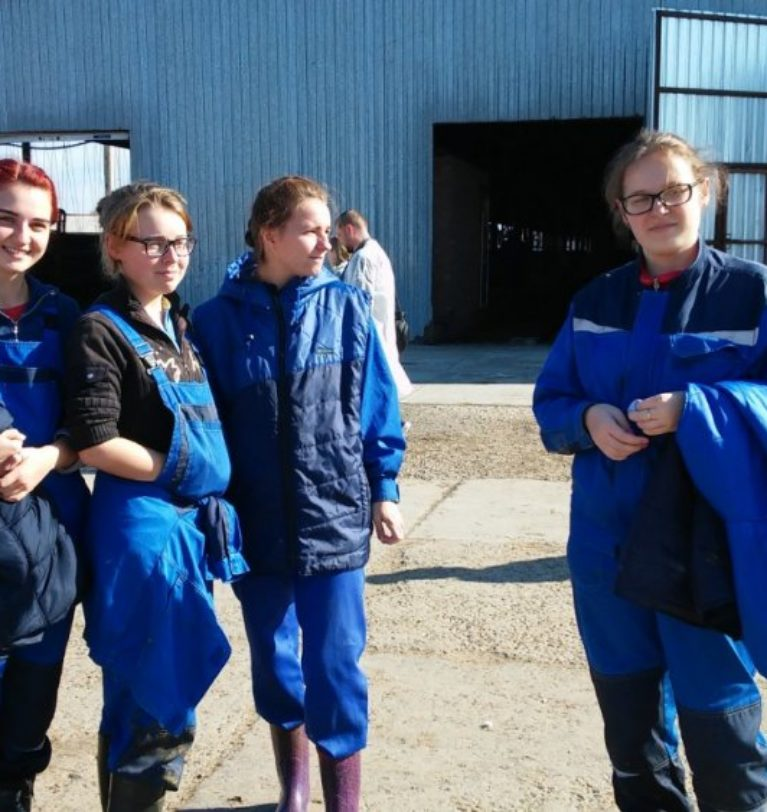 Privet-Rostov.ru – В СЗАО «СКВО» Зерноградского района побывала делегация из Дании
